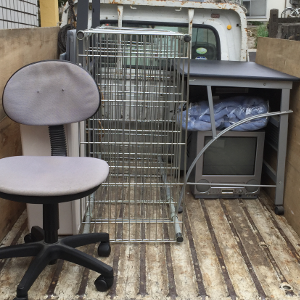 テレビ・ラック・デスク・イスの処分>糸島市の不用品回収実例