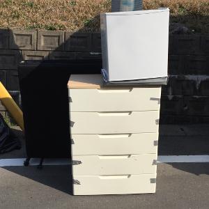 冷蔵庫・折り畳みベッドの処分例 - 春日市ちくし台